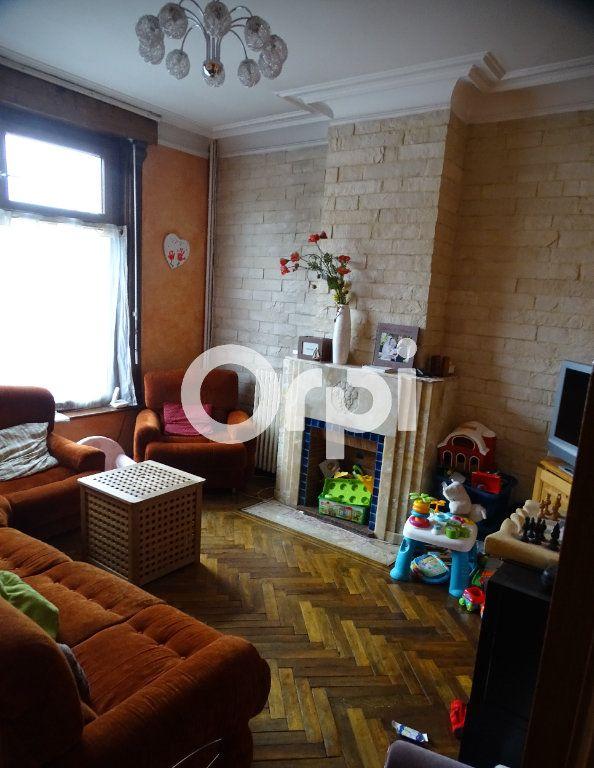 Maison à vendre 6 130m2 à Beuvry vignette-2
