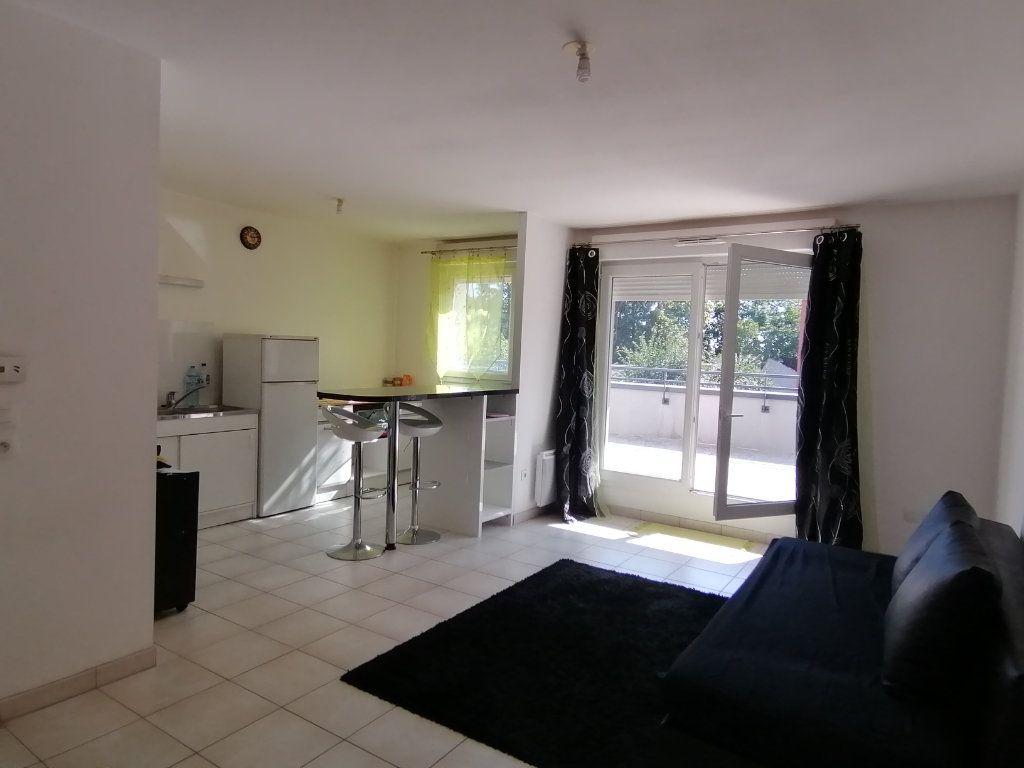 Appartement à louer 2 51.8m2 à Béthune vignette-2