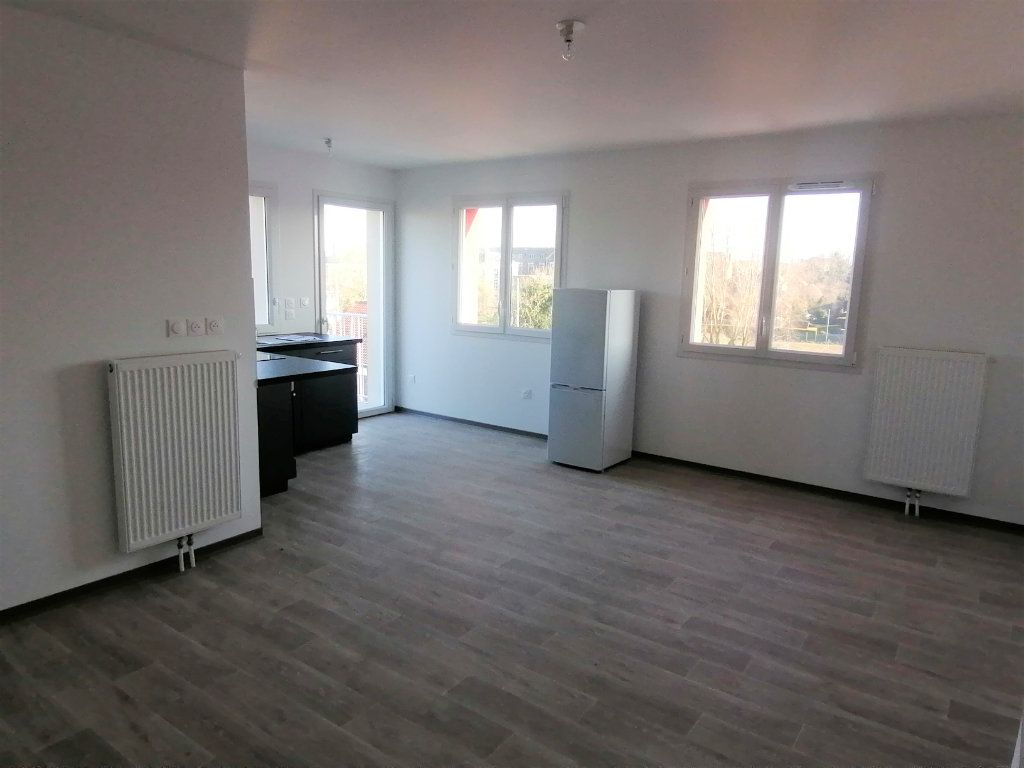 Appartement à louer 3 60.43m2 à Béthune vignette-1