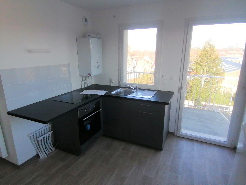 Appartement à louer 3 60.43m2 à Béthune vignette-2