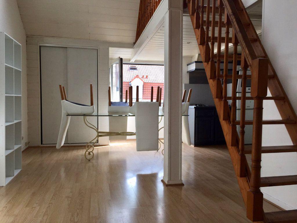 Appartement à louer 2 55m2 à Béthune vignette-1