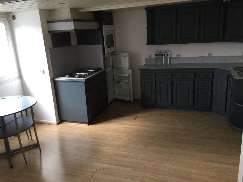 Appartement à louer 2 55m2 à Béthune vignette-3