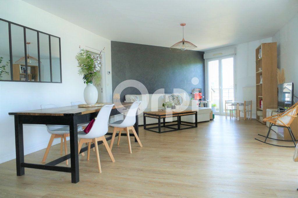 Appartement à vendre 4 90.7m2 à La Ravoire vignette-1