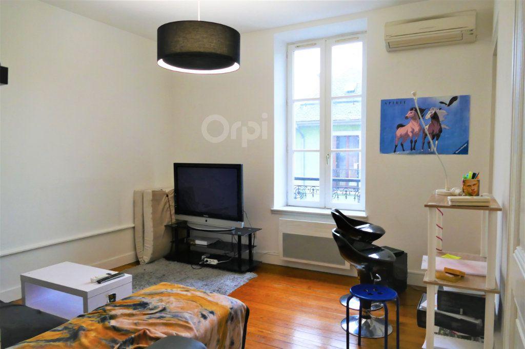 Appartement à louer 3 59.15m2 à Chambéry vignette-3