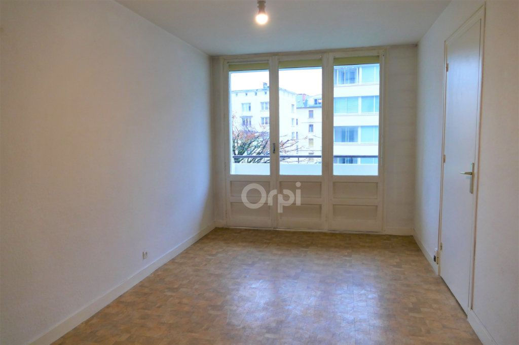 Appartement à louer 2 43.77m2 à Chambéry vignette-2