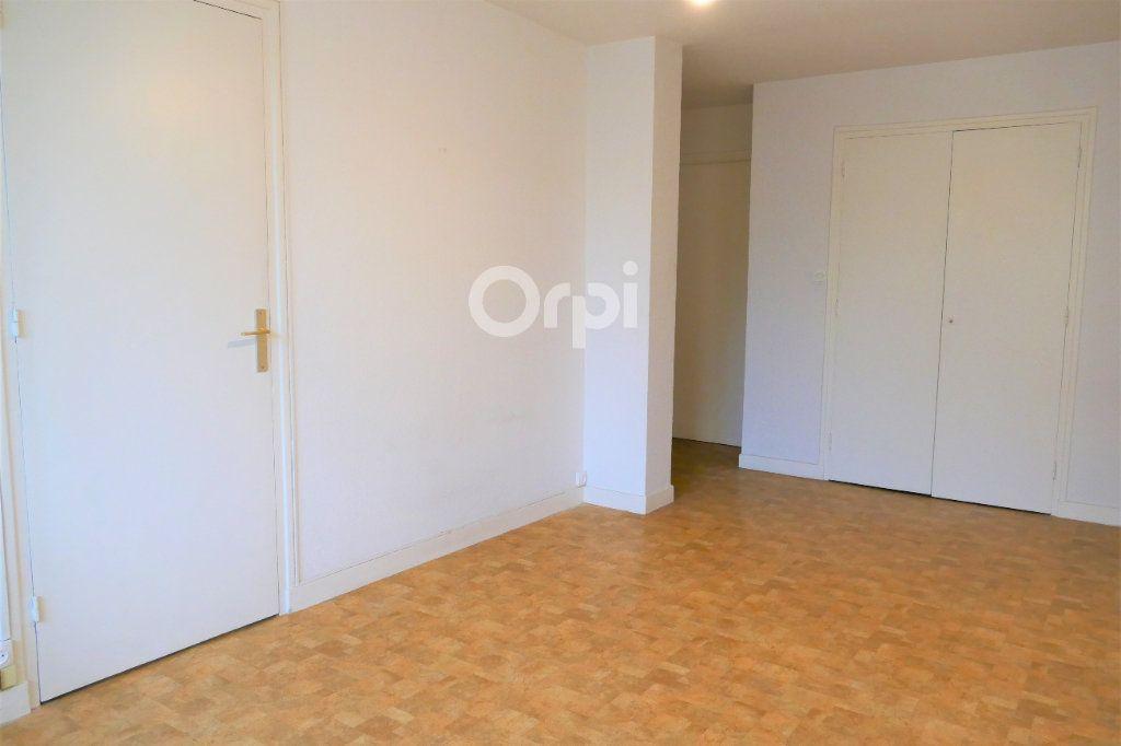 Appartement à louer 2 43.77m2 à Chambéry vignette-3