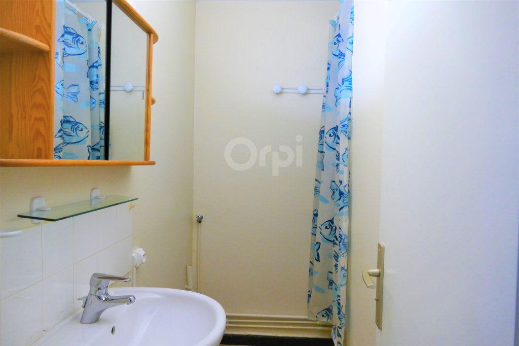Appartement à louer 2 43.77m2 à Chambéry vignette-6