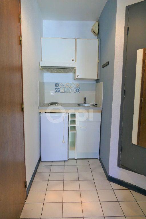 Appartement à louer 1 14.25m2 à Chambéry vignette-2