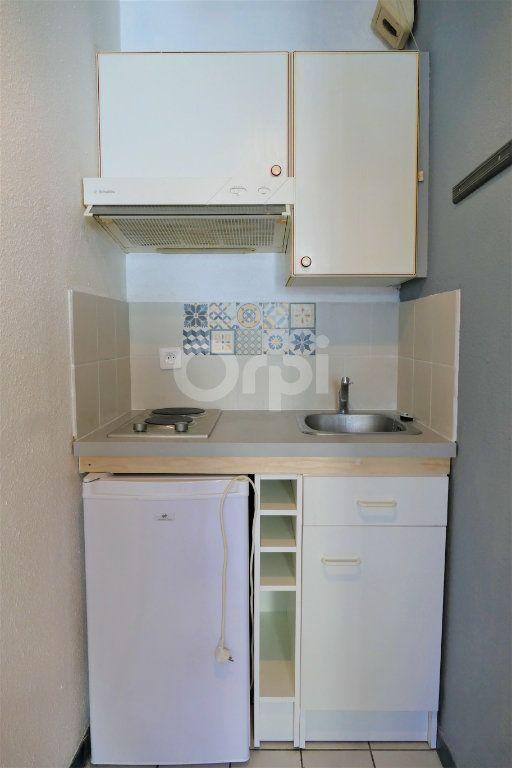 Appartement à louer 1 14.25m2 à Chambéry vignette-3