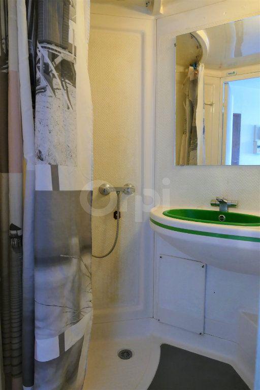 Appartement à louer 1 14.25m2 à Chambéry vignette-6