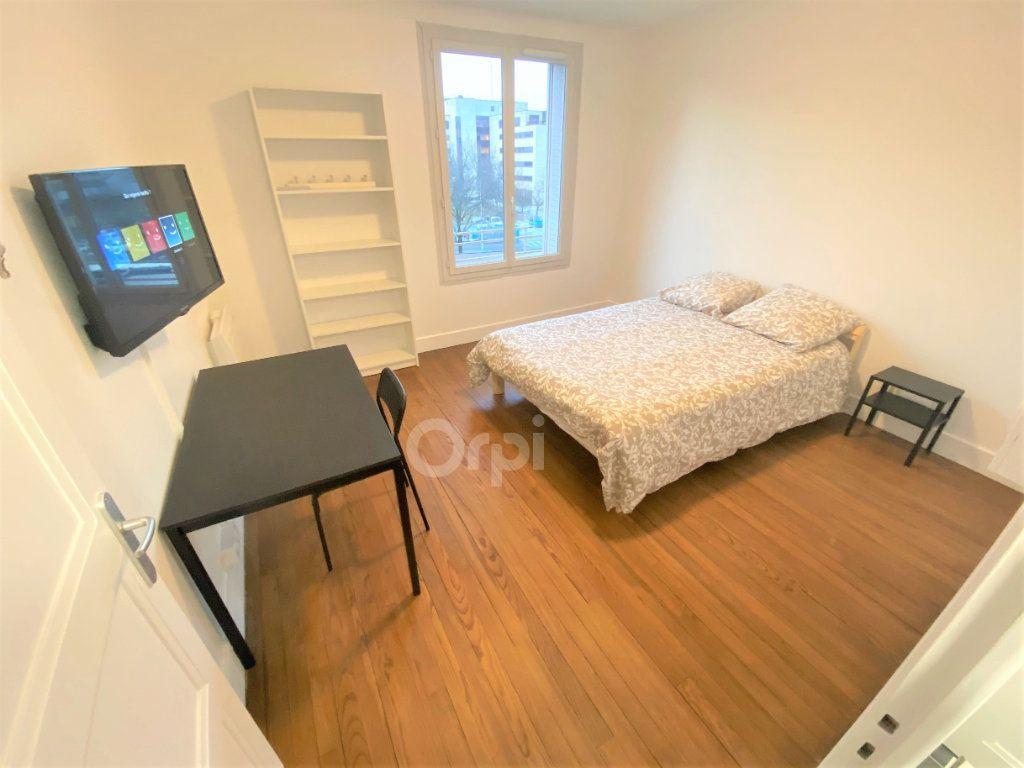 Appartement à louer 1 14.72m2 à Chambéry vignette-6