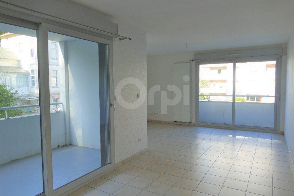 Appartement à vendre 4 81.22m2 à Chambéry vignette-1