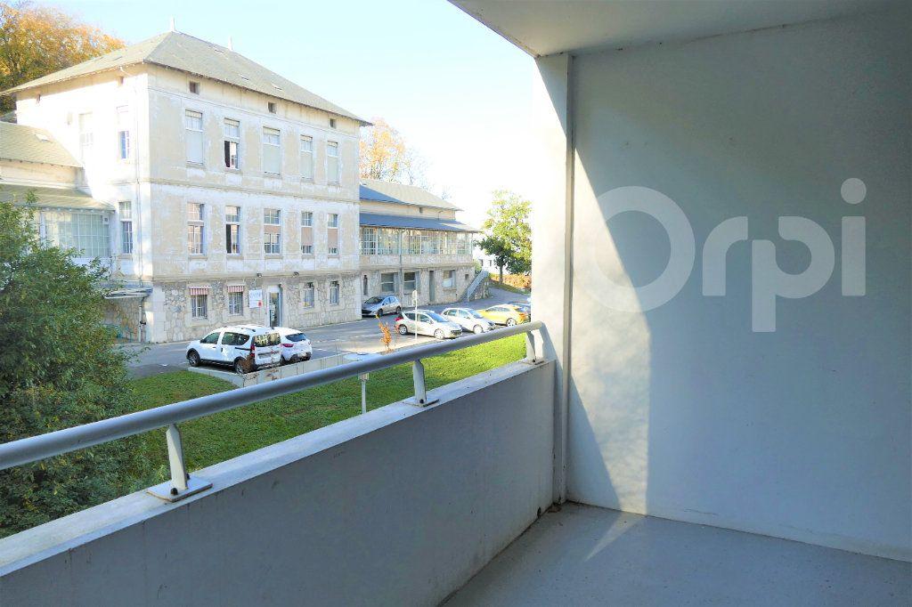 Appartement à vendre 4 81.22m2 à Chambéry vignette-2