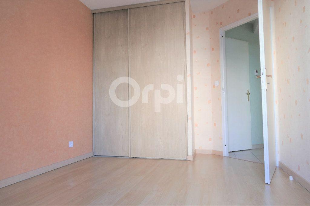 Appartement à vendre 4 81.22m2 à Chambéry vignette-9
