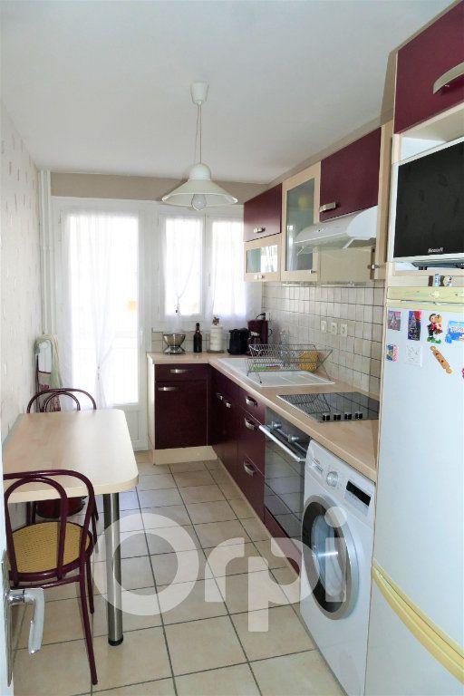 Appartement à vendre 3 65.43m2 à Chambéry vignette-4