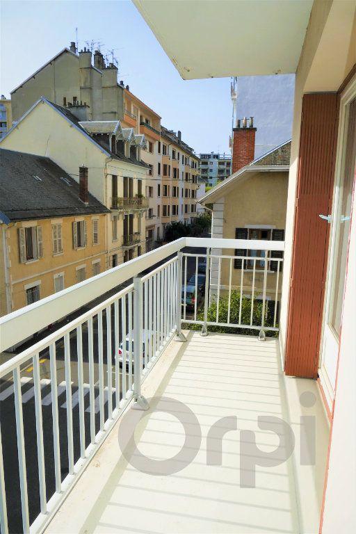 Appartement à vendre 3 65.43m2 à Chambéry vignette-5