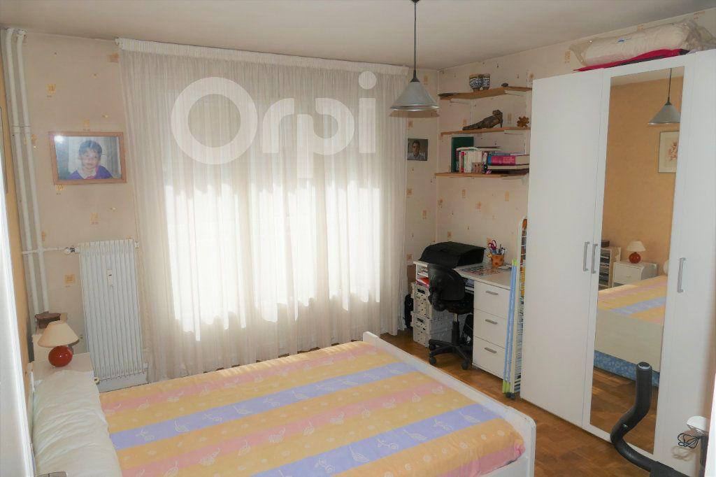 Appartement à vendre 3 65.43m2 à Chambéry vignette-6