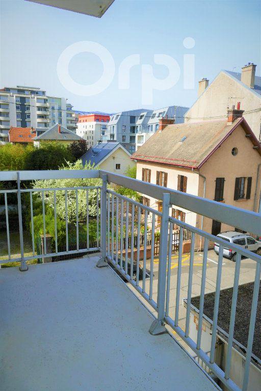 Appartement à vendre 3 65.43m2 à Chambéry vignette-9