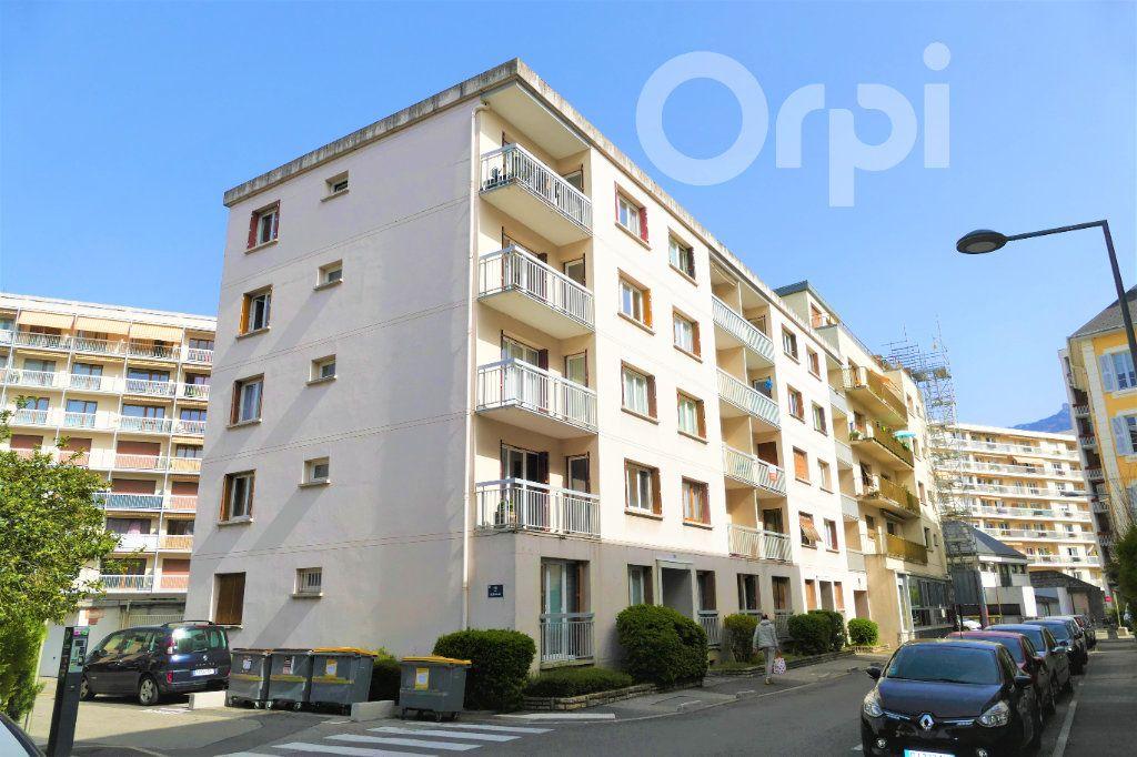 Appartement à vendre 3 65.43m2 à Chambéry vignette-11
