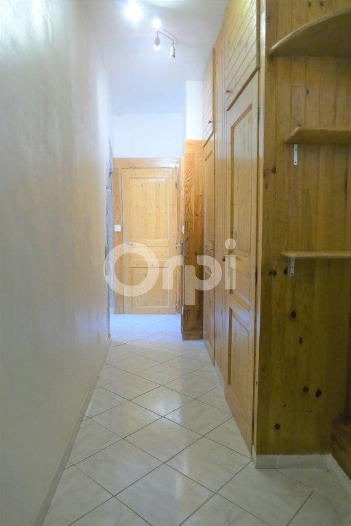 Appartement à louer 2 35m2 à Chambéry vignette-2