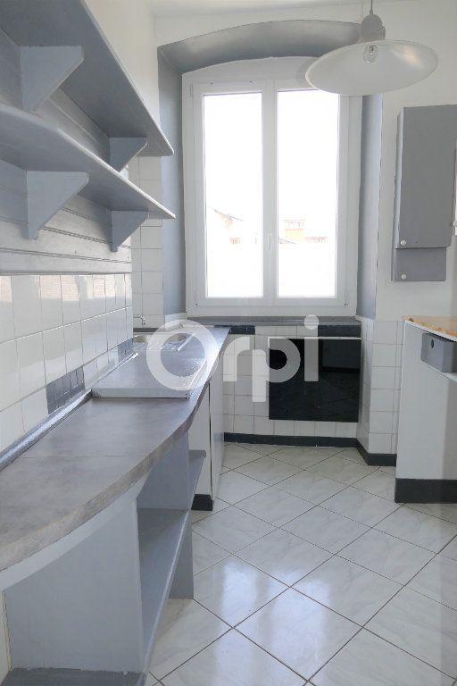 Appartement à louer 2 35m2 à Chambéry vignette-3