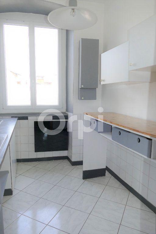 Appartement à louer 2 35m2 à Chambéry vignette-4
