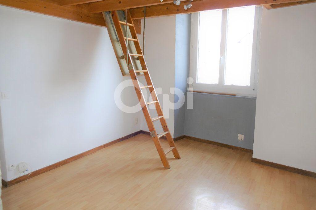 Appartement à louer 2 35m2 à Chambéry vignette-5
