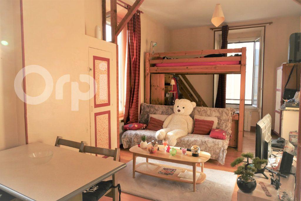 Appartement à louer 1 31m2 à Chambéry vignette-1