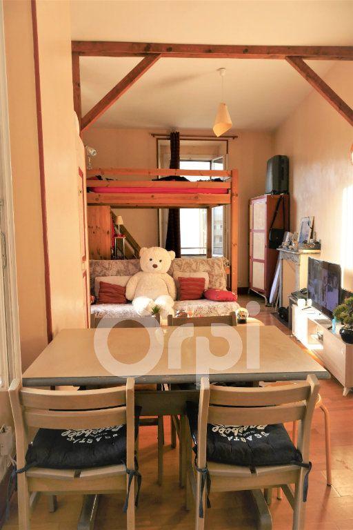 Appartement à louer 1 31m2 à Chambéry vignette-2