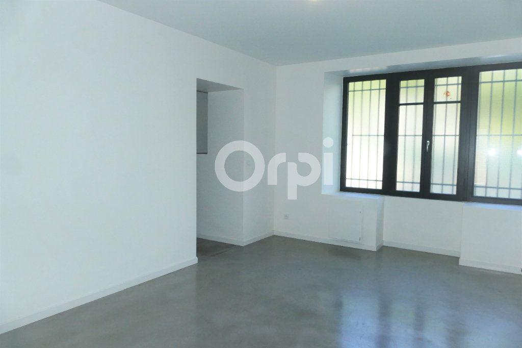 Appartement à louer 4 83.23m2 à Chambéry vignette-10