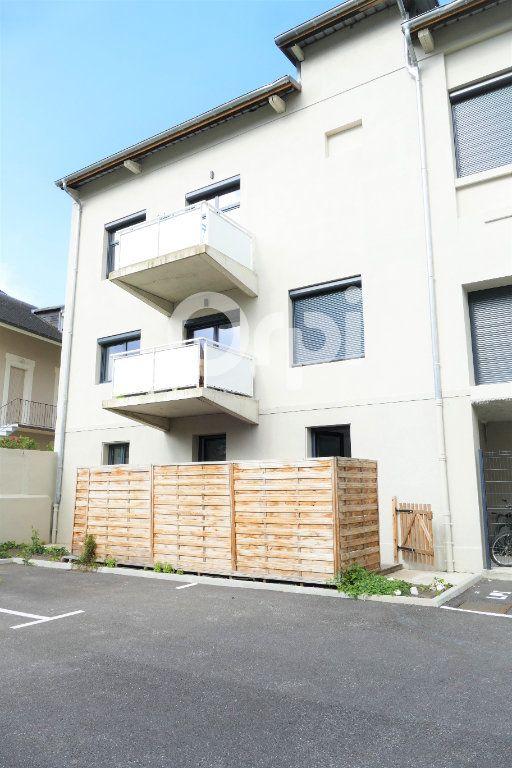 Appartement à louer 4 83.23m2 à Chambéry vignette-16