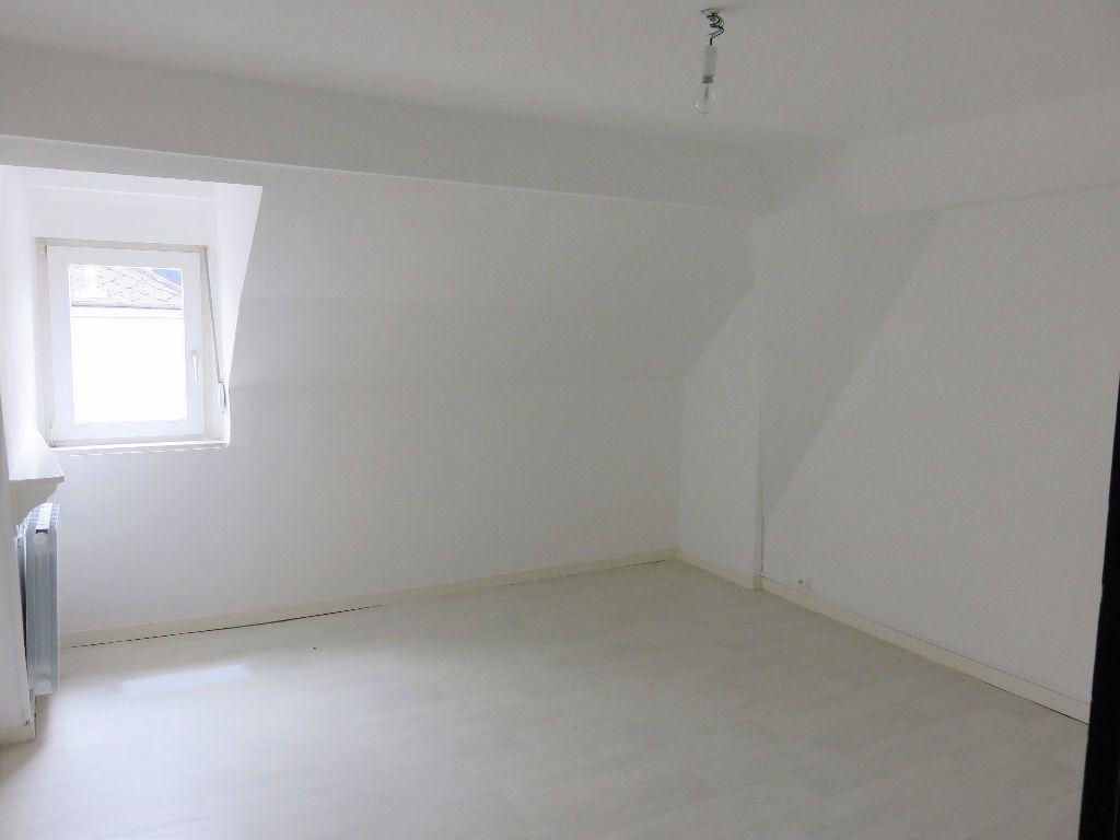 Appartement à louer 4 79m2 à Hayange vignette-3