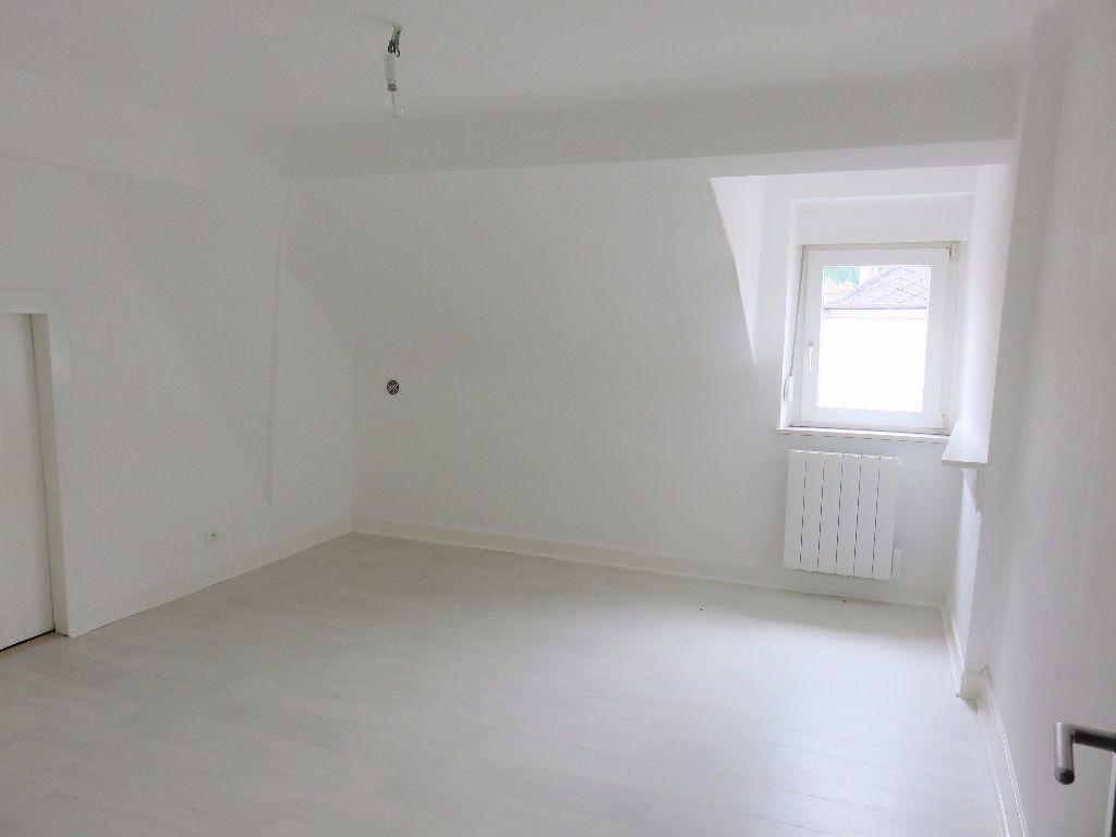 Appartement à louer 4 79m2 à Hayange vignette-4