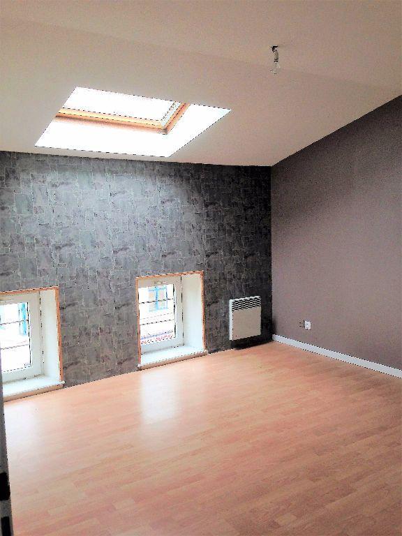 Appartement à louer 3 50m2 à Hayange vignette-2