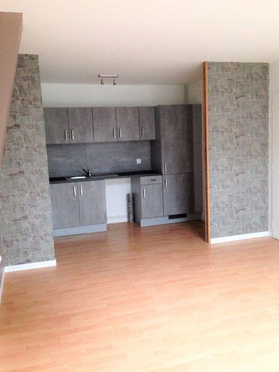 Appartement à louer 3 50m2 à Hayange vignette-6