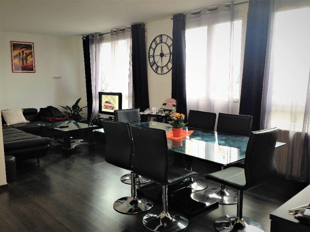 Appartement à louer 5 88.24m2 à Hayange vignette-1