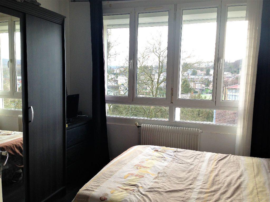 Appartement à louer 5 88.24m2 à Hayange vignette-3