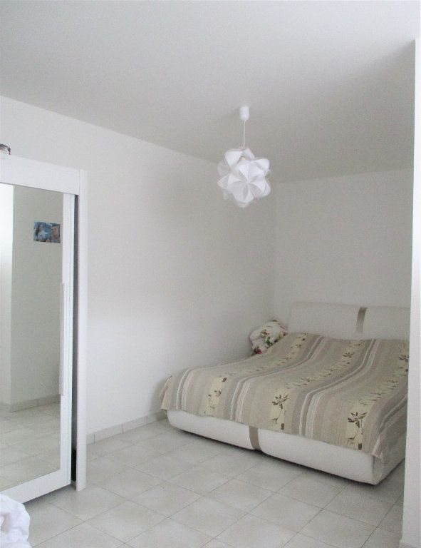 Appartement à louer 2 52.65m2 à Hayange vignette-3
