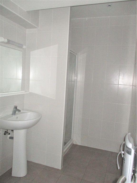 Appartement à louer 2 52.65m2 à Hayange vignette-4