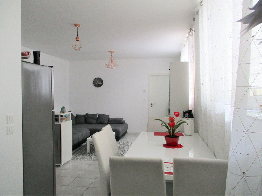 Appartement à louer 2 52.65m2 à Hayange vignette-6