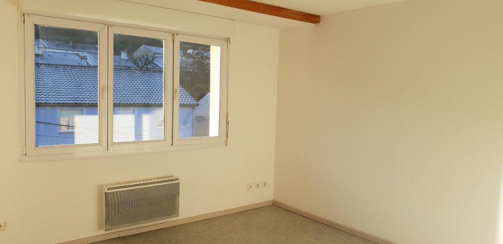Appartement à louer 1 33m2 à Knutange vignette-2