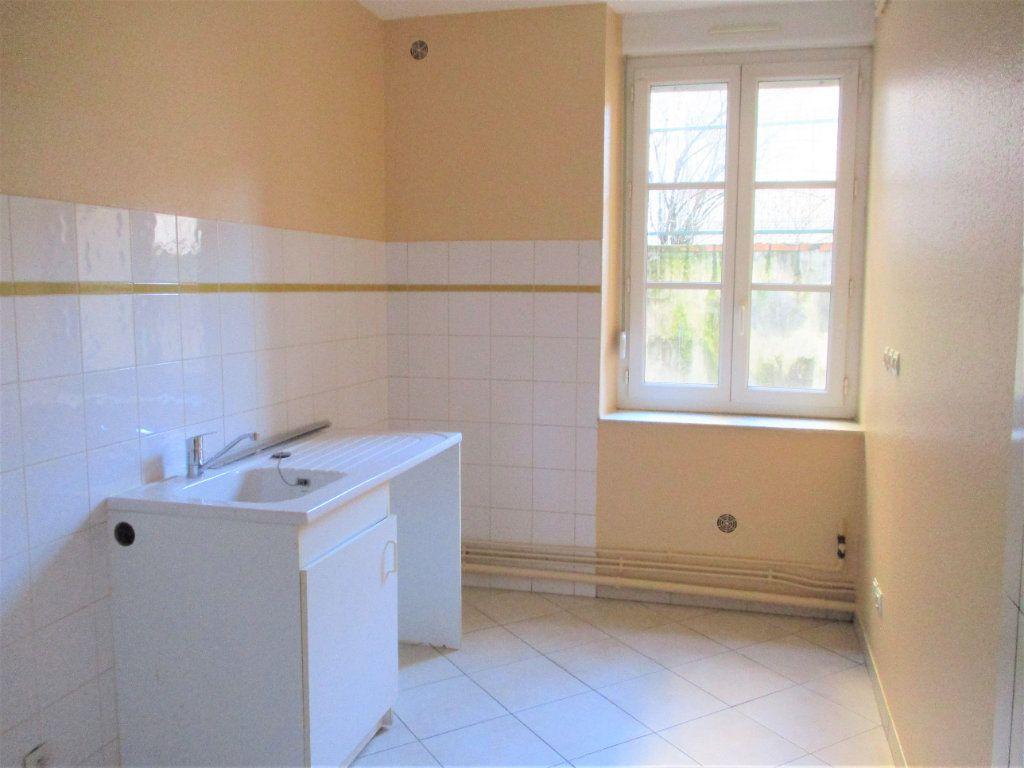 Appartement à louer 3 55m2 à Hayange vignette-2