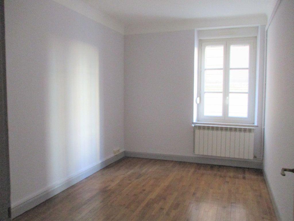 Appartement à louer 3 55m2 à Hayange vignette-4