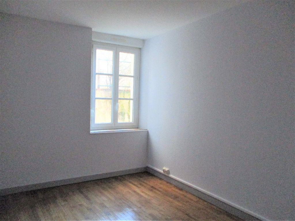 Appartement à louer 3 55m2 à Hayange vignette-6