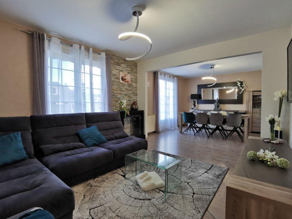 Maison à vendre 6 132m2 à Tressange vignette-3