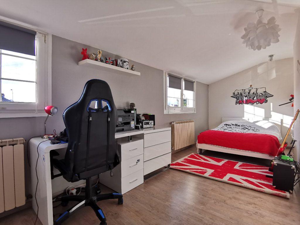 Maison à vendre 6 132m2 à Tressange vignette-9