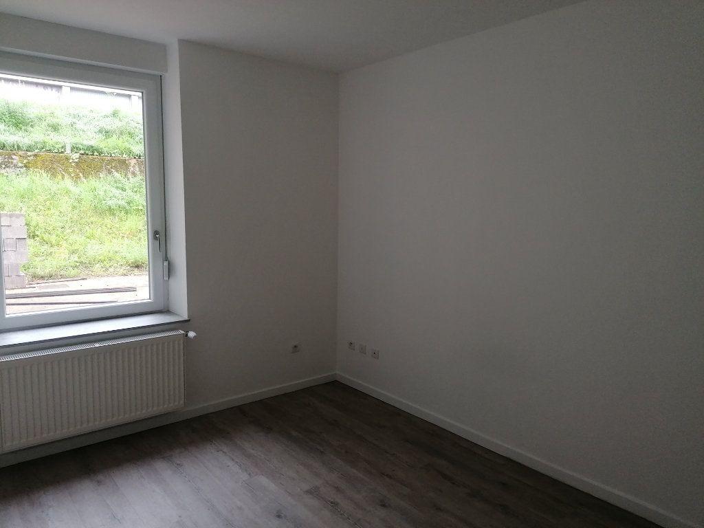 Appartement à louer 3 54m2 à Algrange vignette-2