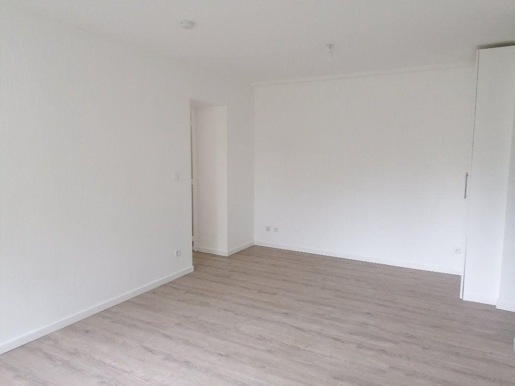 Appartement à louer 3 54m2 à Algrange vignette-3