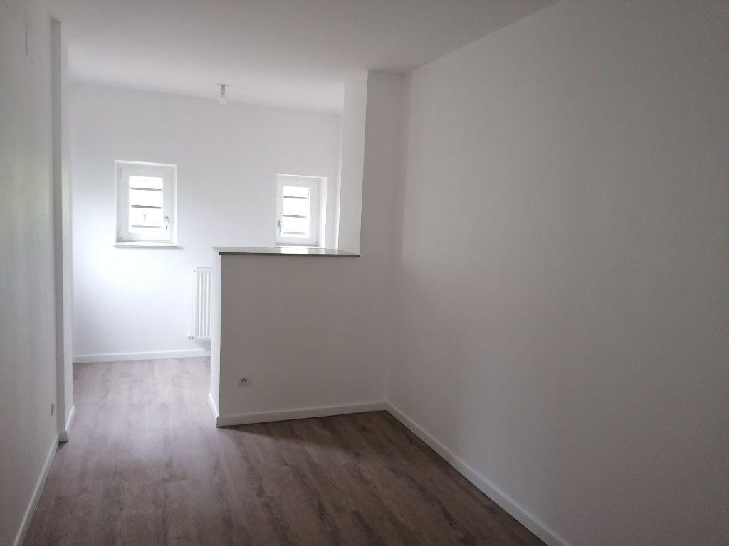 Appartement à louer 3 54m2 à Algrange vignette-4