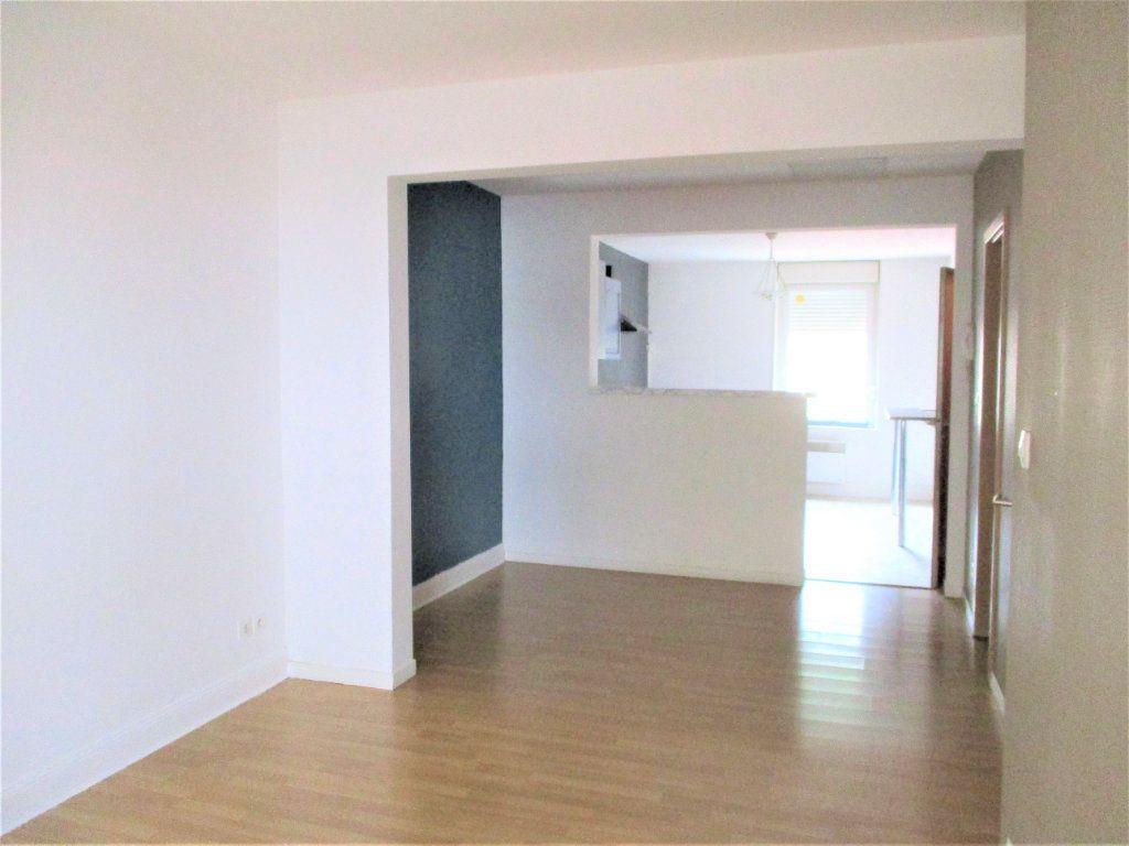 Appartement à louer 2 48m2 à Hayange vignette-3